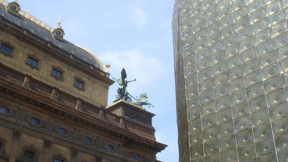Bild mit Theater Fassaden in Prag - Reiseblog detailjaeger