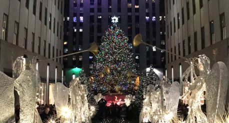 Bild mit Tannebaum zum christmastreelighting in new york am rockefeller center